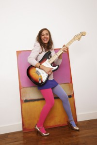 Nina-Attal-stratocaster