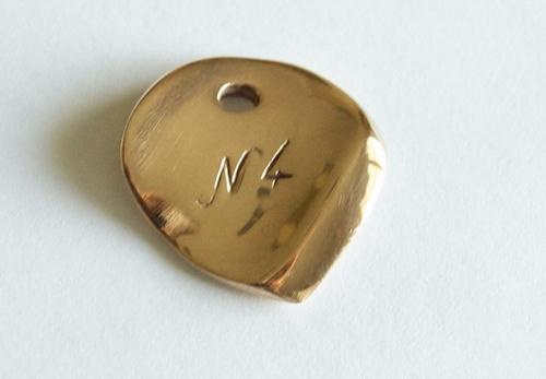 [Review] Médiator en bronze, le Niglo