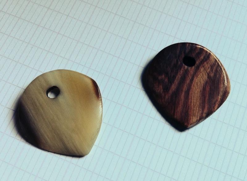Test des nouveaux médiators Niglo Naturals en bois et en corne