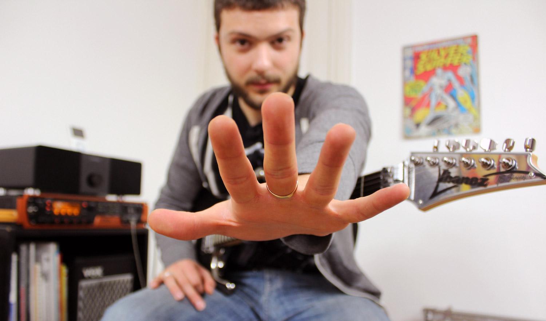 Comment optimiser la main gauche : gain de vitesse, précision, fluidité…
