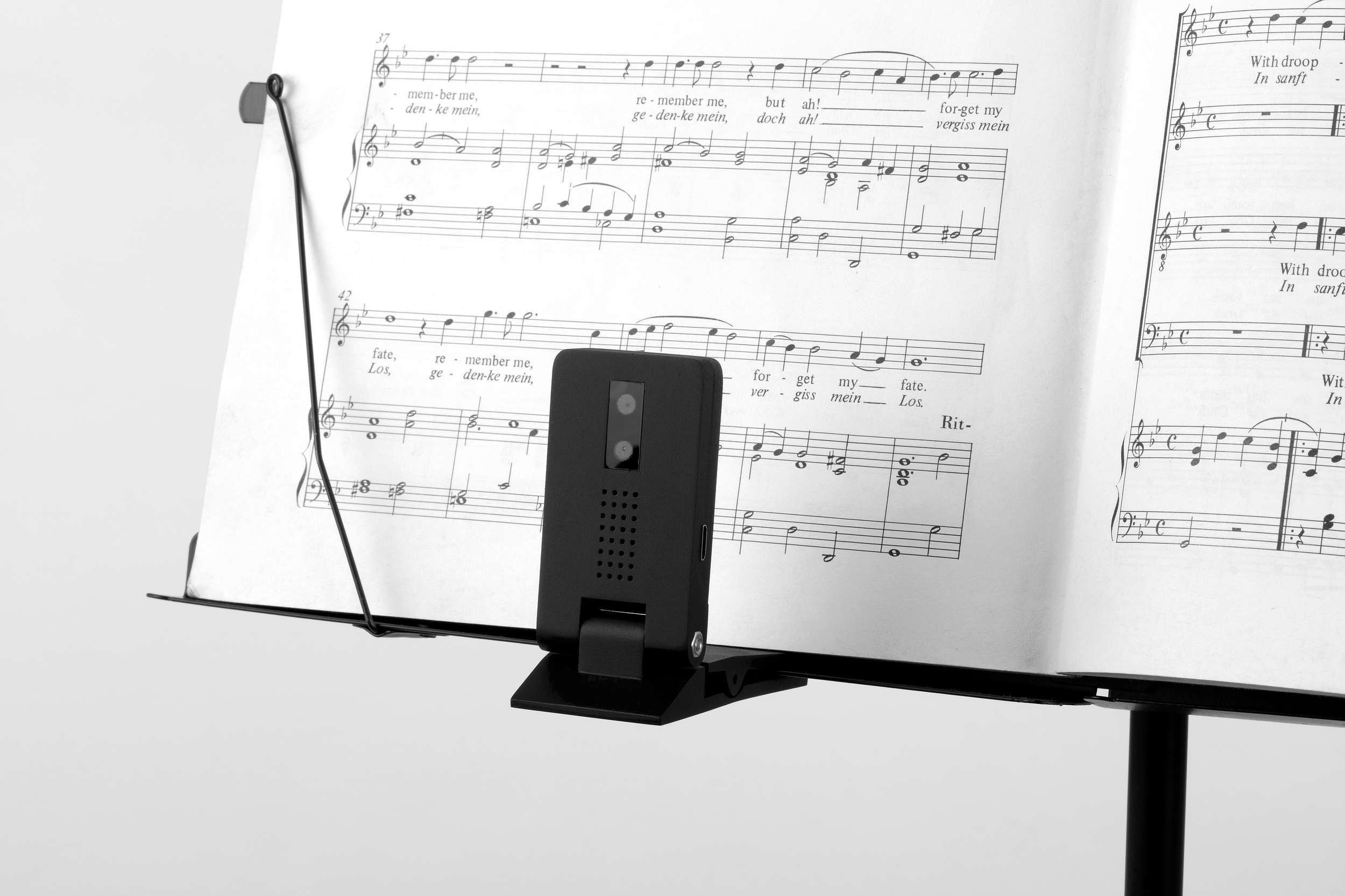 Une camera surveille votre posture quand vous jouez de la guitare